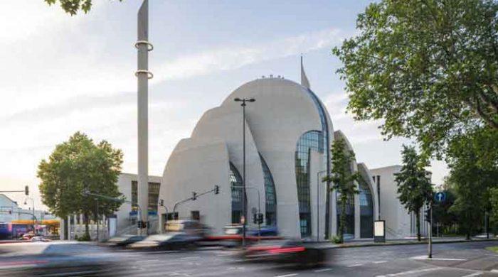 জার্মানিতে মসজিদে আজান দেয়ার অনুমতি